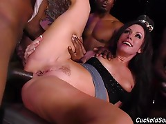 The Bulls shove him and laugh, like bullies on the school playground. This makes the Cuckold`s dick even harder. The Bulls bang Jennifer so well she has more than one gushing orgasm, and then they make her `airtight`. With all three holes stuffed with BBC